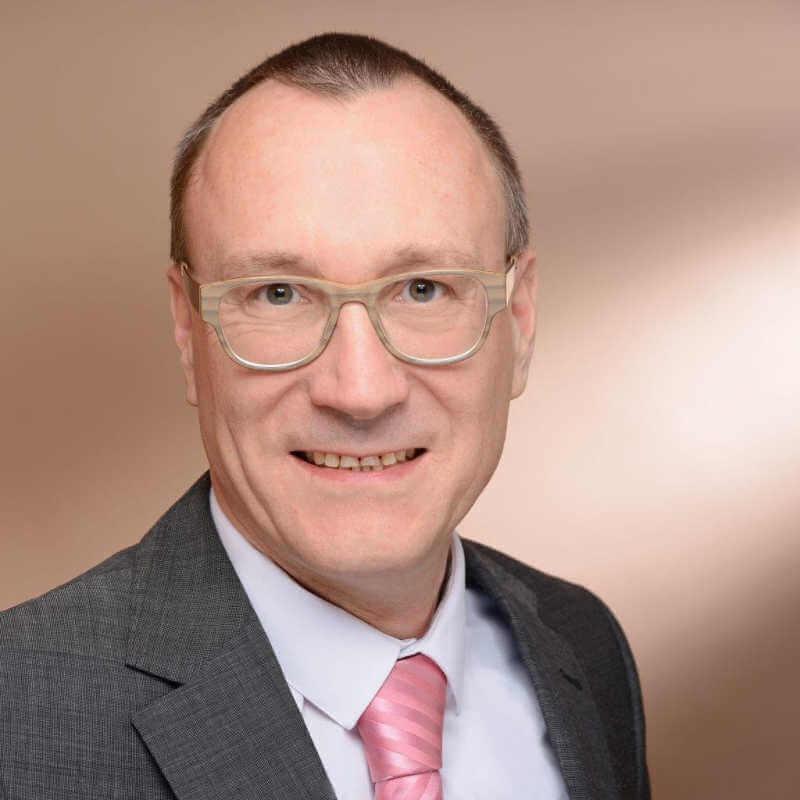 Immobilienmakler Oskar Schmidbauer